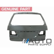 2000-2005 Toyota ACR30 Tarago Tailgate Shell New Genuine